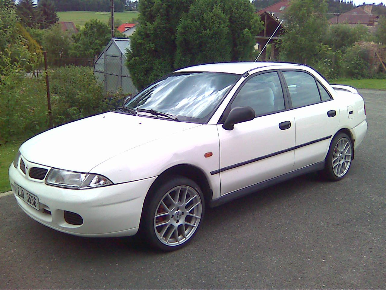 Owner car photo on mitsubishi carisma